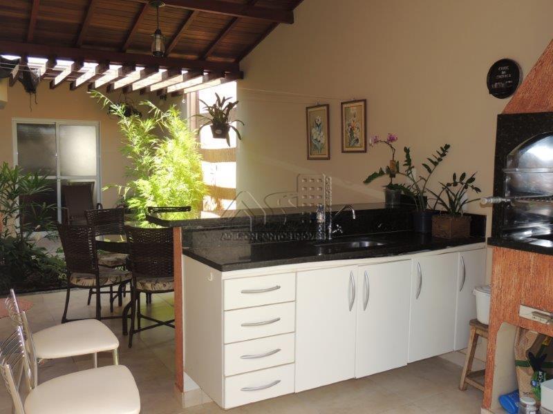 Vila Gusmão -Linda casa - ótima localização.