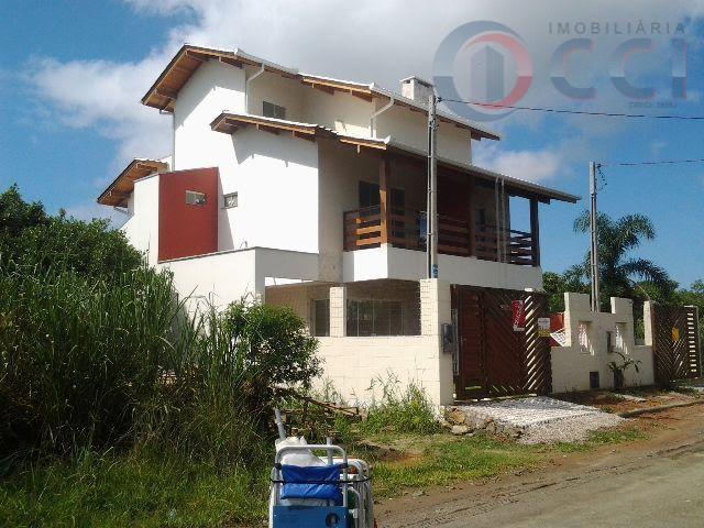 Sobrado  residencial à venda, Mariscal, Bombinhas.