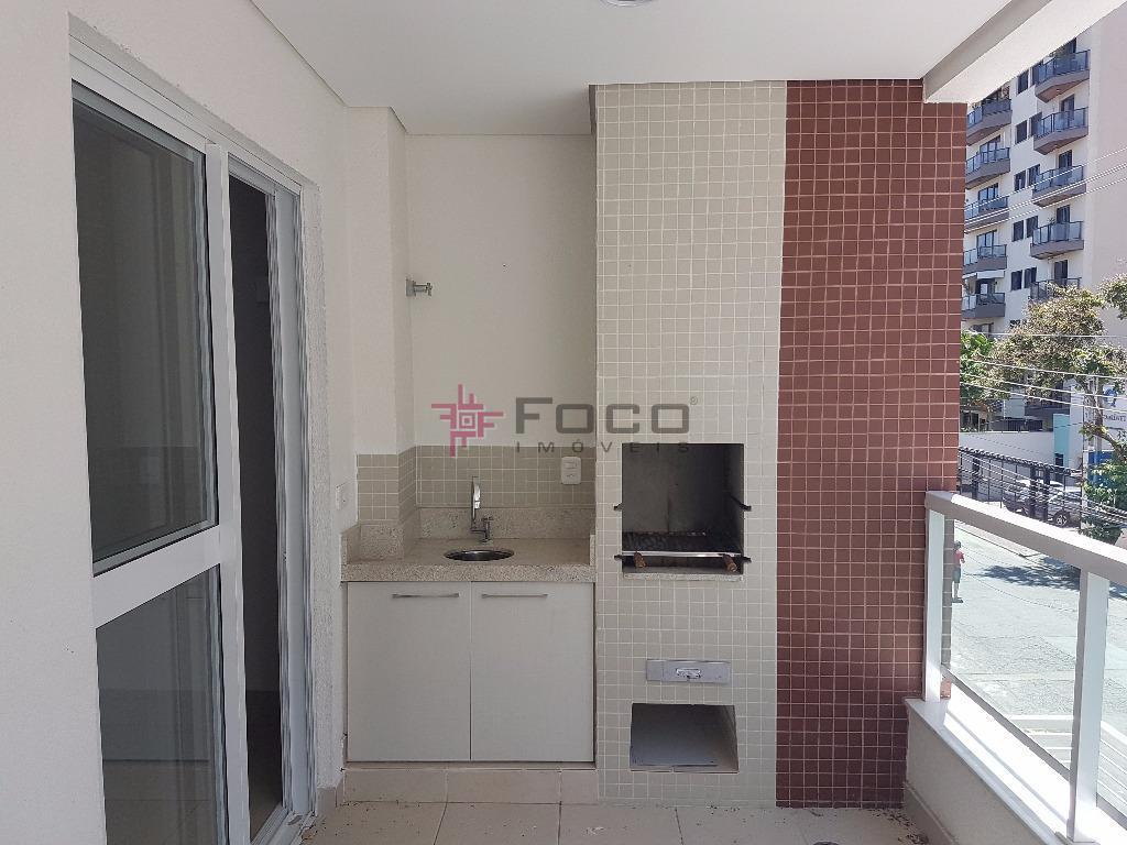 fino acabamento, 2 dormitórios, sendo 01 suite, cozinha americana, varanda gourmet.