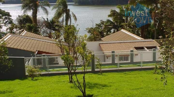 maravilhosa residência com moveis de madeira de demolição, requinte e bom gosto, visite e se apaixone!
