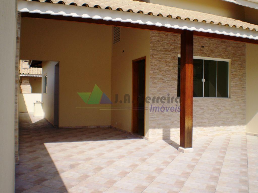 Casa NOVA a menos de 300 metro da PRAIA, grande oportunidade em PERUÍBE-SP