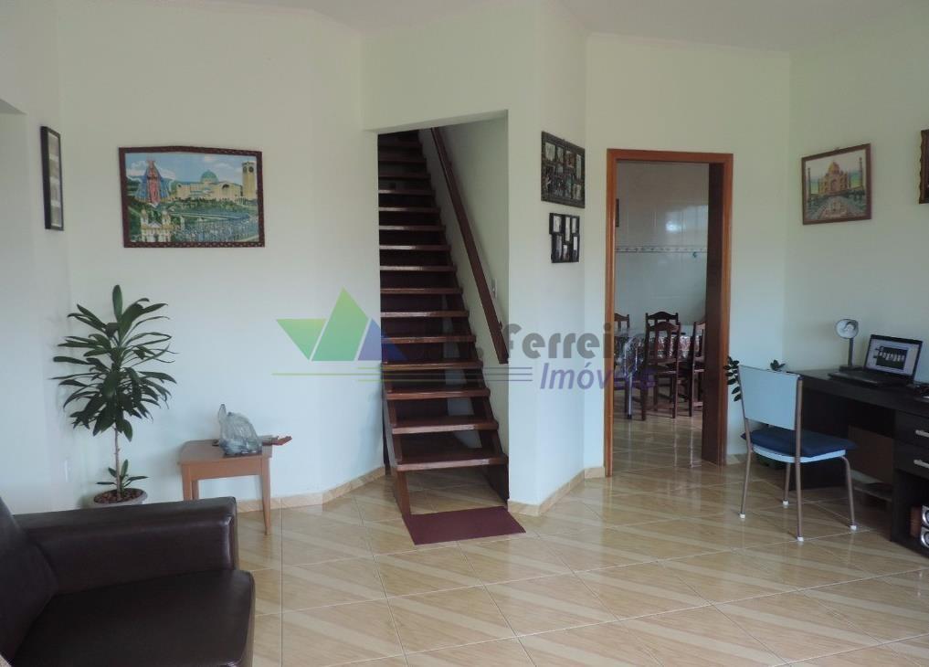 Linda casa com mezanino, bem localizado em PERUÍBE-SP