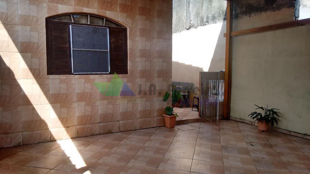 Linda casa 500mtrs da praia em Mongaguá, Aceita financiamento bancário.