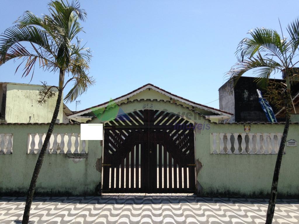 Casa Isolada á 350mts da praia. Aceita financiamento.
