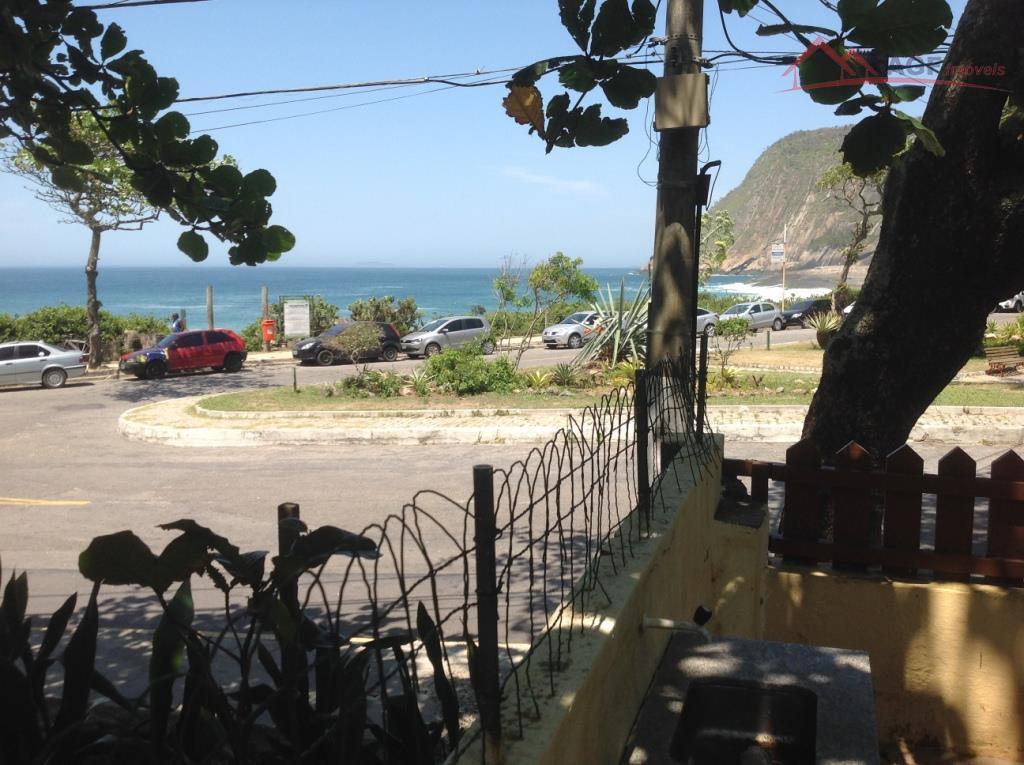 Casa linear 04 Qtos de frente para praia de Itacoatiara
