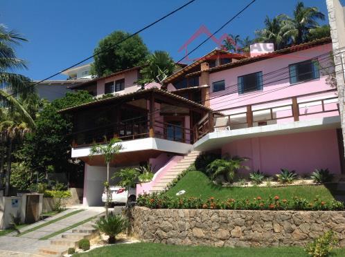 Belíssima casa 05 Qtos fino acabamento em condomínio