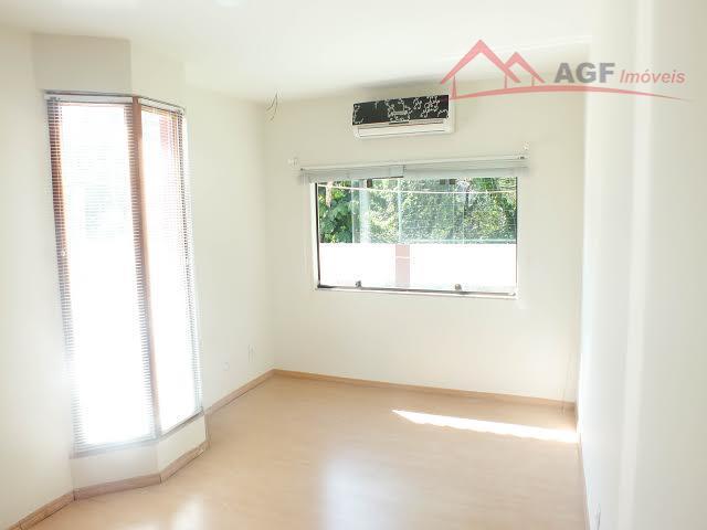 Casa linear 03 Qtos em condomínio Pendotiba