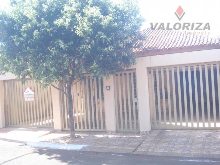 Casa residencial à venda, Centro, Quirinópolis - CA0062.