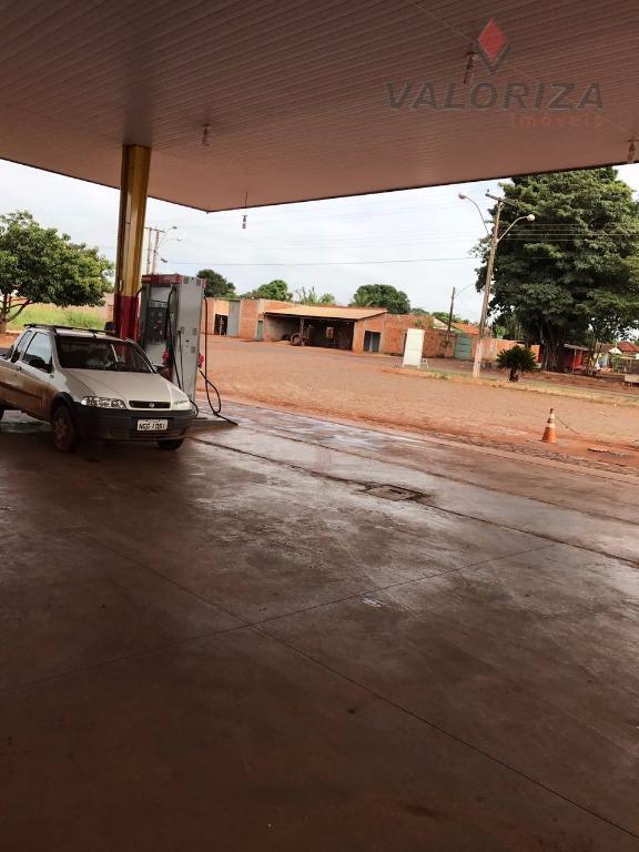 posto de combustível, com área total de 6.750m 2, área construída aproximada de 850m2, composto de...