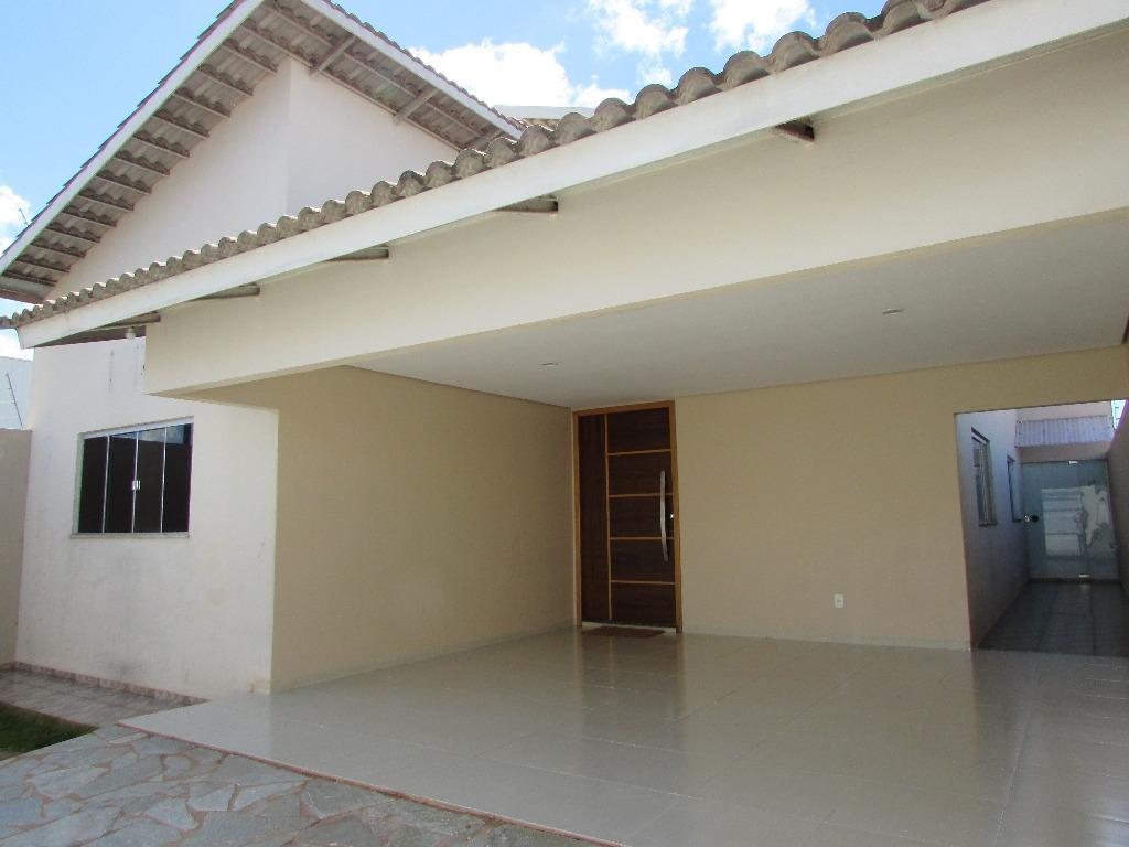 Casa residencial para venda e locação, Jardim Vitória, Quirinópolis - CA0591.