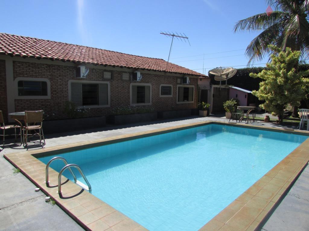 Casa residencial à venda, Centro, Quirinópolis.