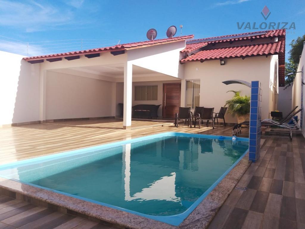 Casa com 3 dormitórios à venda por R$ 370.000 - Centro - Quirinópolis/GO