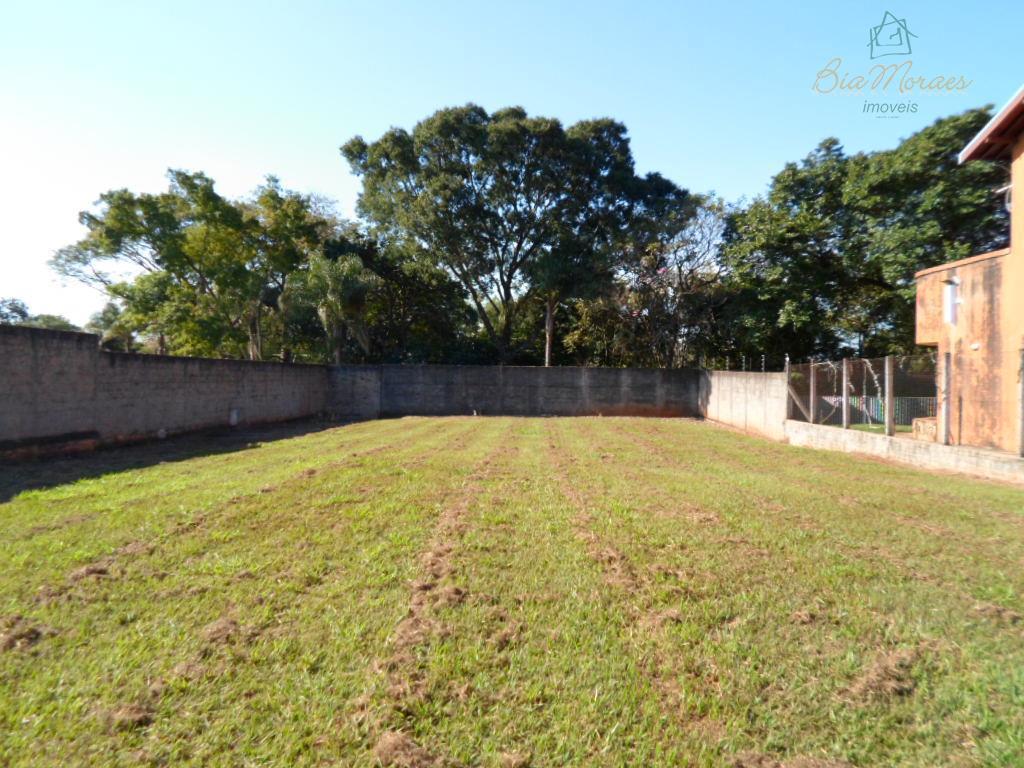 lote de 15mx40m + 160m de área não edificável que compões o terreno.