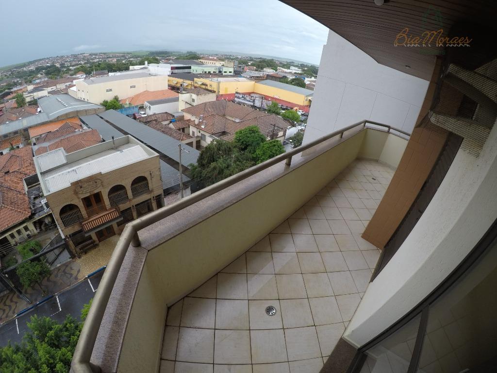 Apartamento com 3 dormitórios para alugar, 140 m² por R$ 2.100/mês - Centro - Leme/SP