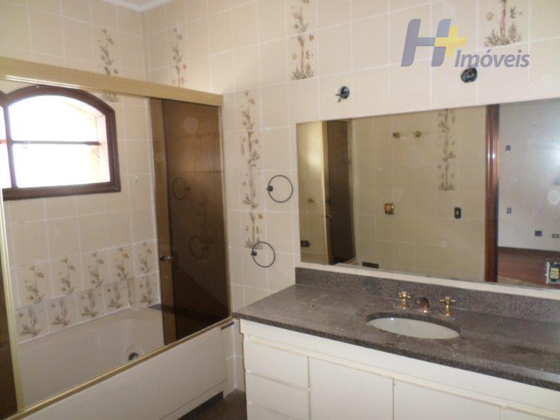 Casa de 4 dormitórios em Alphaville Residencial Dois, Barueri - SP