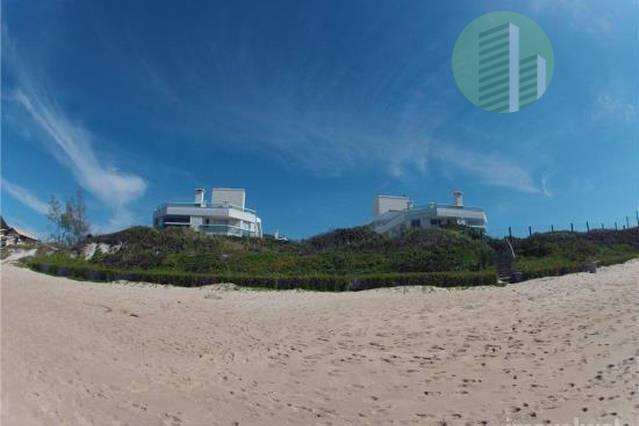 Lindo e Completo Flat | Praia Morro das Pedras | Pé na Areia