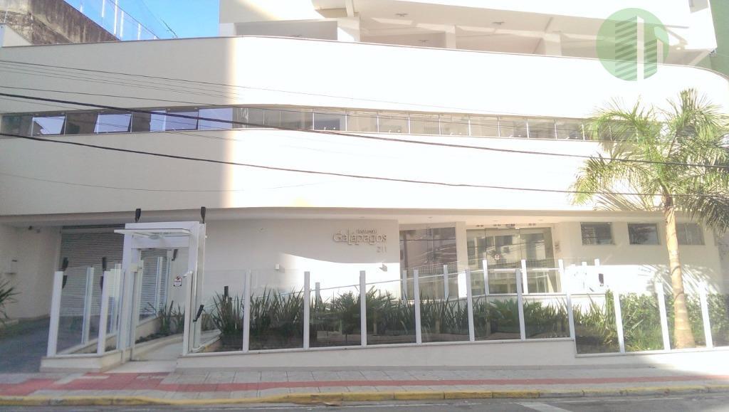 novo! more no centro de florianópolis em apartamento totalmente novo com muita luz natural, ventilação e...