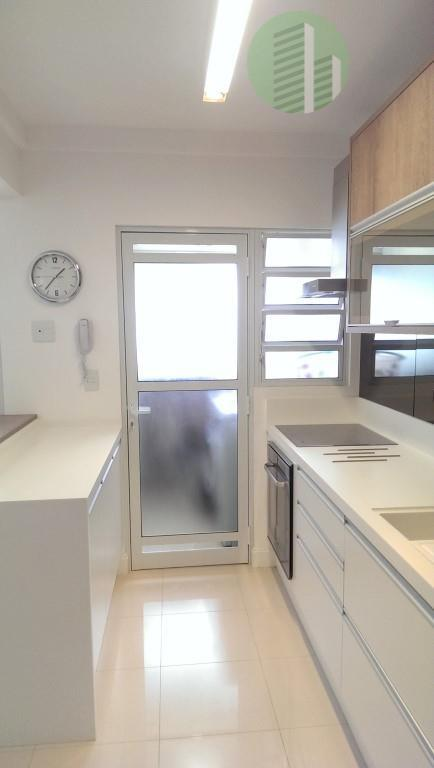 porto de bremen - um apartamento muito bem decorado e pronto para morar com móveis com...