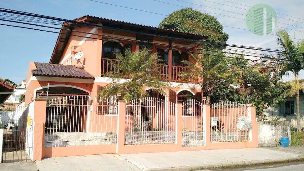 Linda Casa Barreiros | 5 Quartos 4 Vagas | Piscina e Churrasqueira