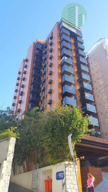 classic residencial - amplo apartamento super central, na rua são francisco a poucos passos do supermercado...