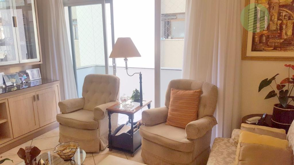 amplo apartamento, 1 por andar, com 342m² de área privativa na melhor região do centro de...
