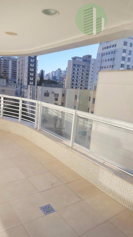 amplo apartamento com 205m² localizado em uma das melhores regiões para se morar do centro de...