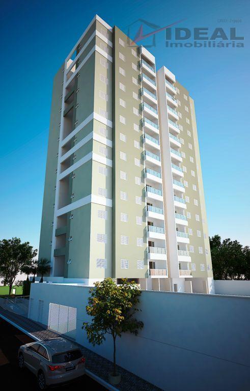 Apartamentos no centro 3 quartos (1 suíte)