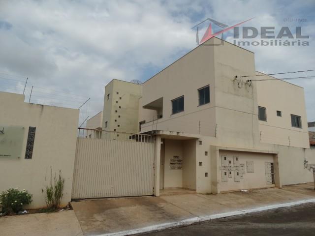 Apartamento com 3 dormitórios para alugar, 15 m² por R$ 1.300/ano - São Bento - Mineiros/GO