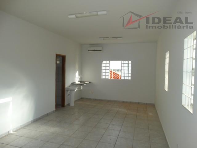 Kitnet residencial para locação, Centro, Mineiros.