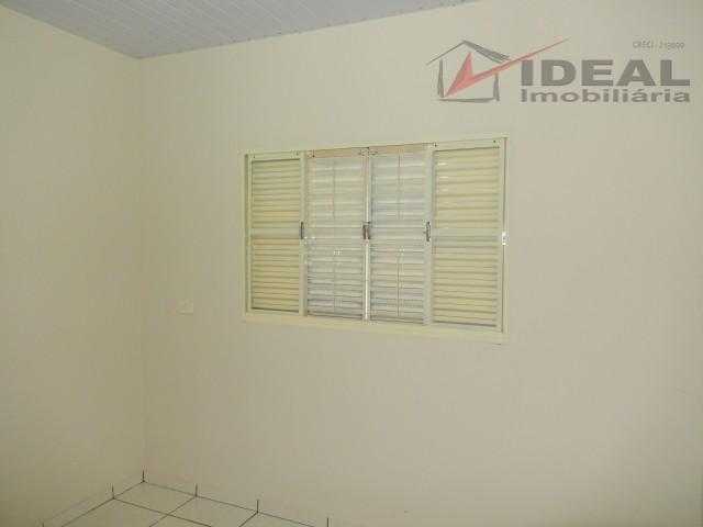 casa localizada em rua pavimentada possuindo dois quartos, sala, cozinha, banheiro social, toda murada e com...