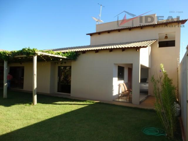 Quatro dormitórios (duas suítes) Solar Betel