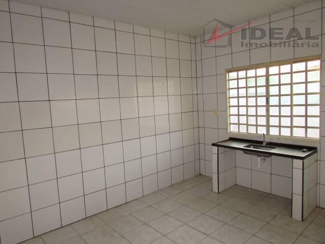 terreno de 360 m² contendo 3 casas cada com dois quartos, sala, cozinha, banheiro social, área...