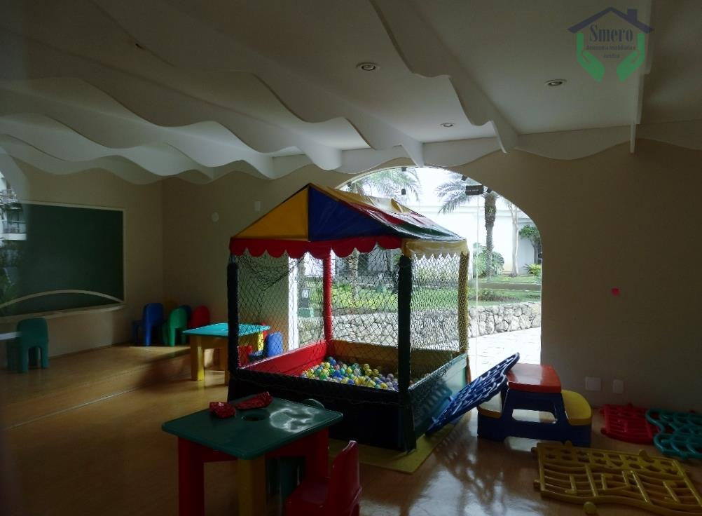 espaçoso imóvel em um bairro charmoso com segurança e muito arborizado , condomínio tranquilo e bem...