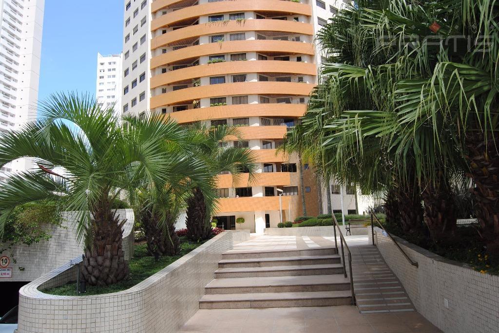 Apartamento com piscina aquecida 1 por andar- Agua Verde