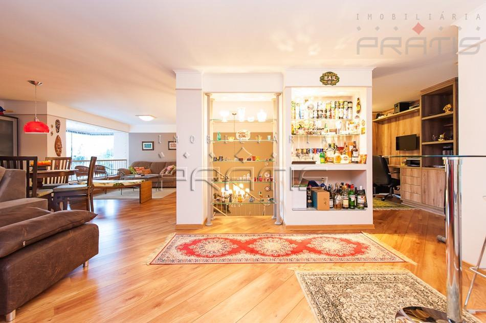 apartamento duplex no cabral, rua sem saída, armários, 3 dormitórios, sendo 1 suite, bwc social, corredor,...