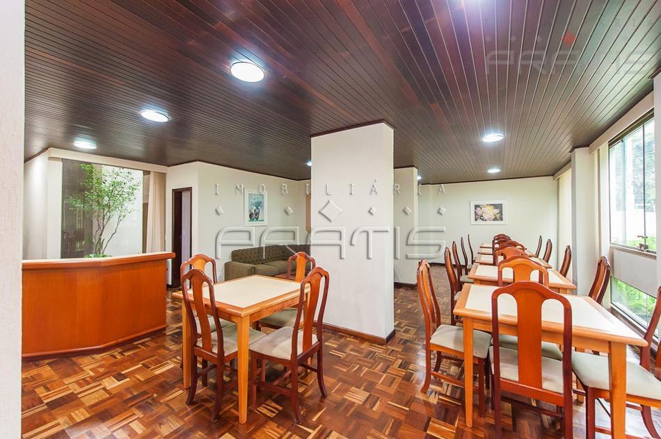 Apartamento para Venda/Locação - Batel