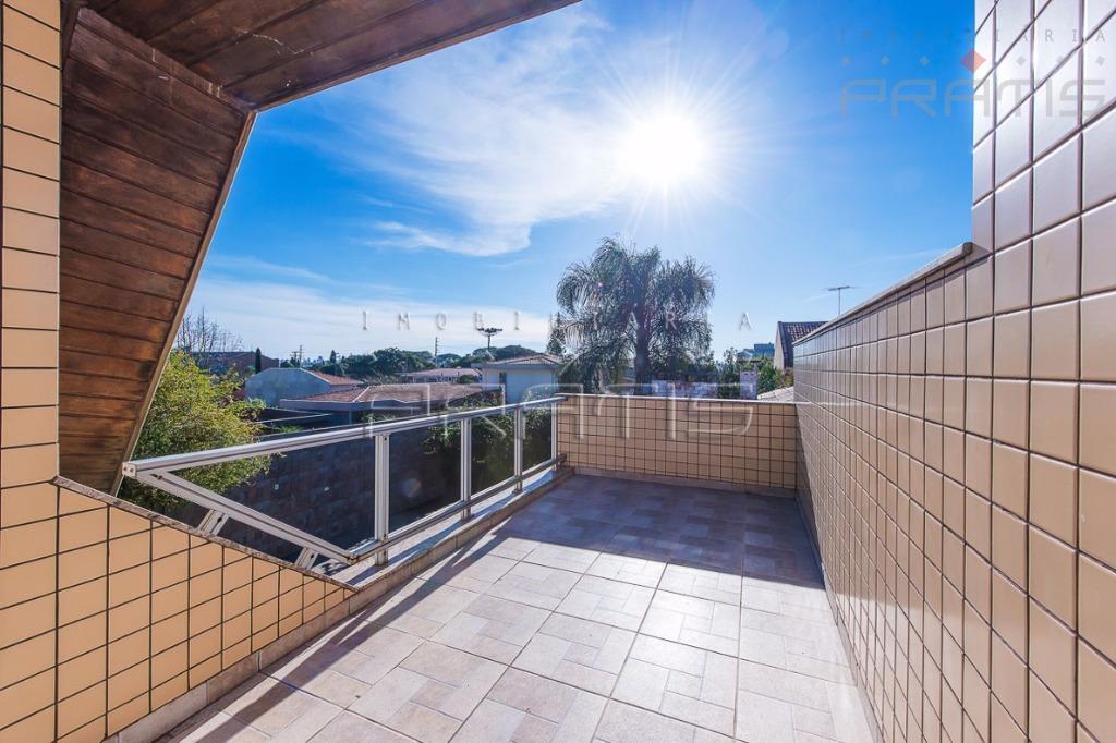 casa guabirotuba- linda- excelente localização, rua sem saída, calefação tipo européia- pomar- jardim - 4 dormitórios,...