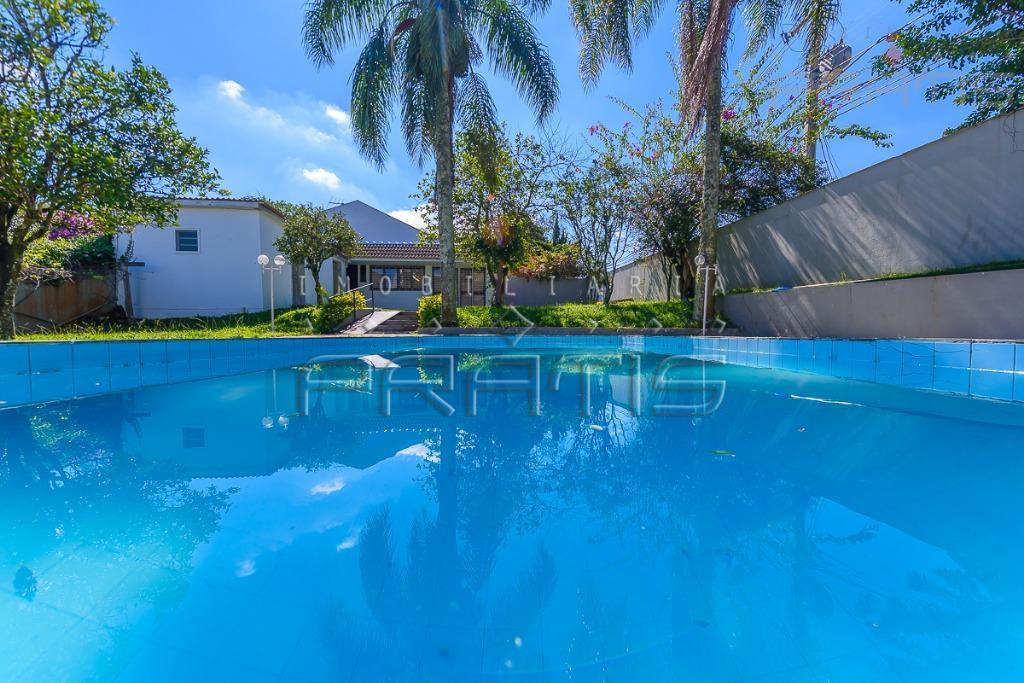 casa comercial com piscina