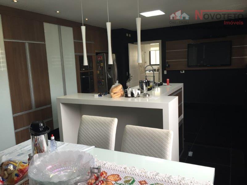 ótimo apartamento cobertura com 3 suítes, 5 salas com sacada, lavabo, 4 banheiros, cozinha, copa, despensa,...