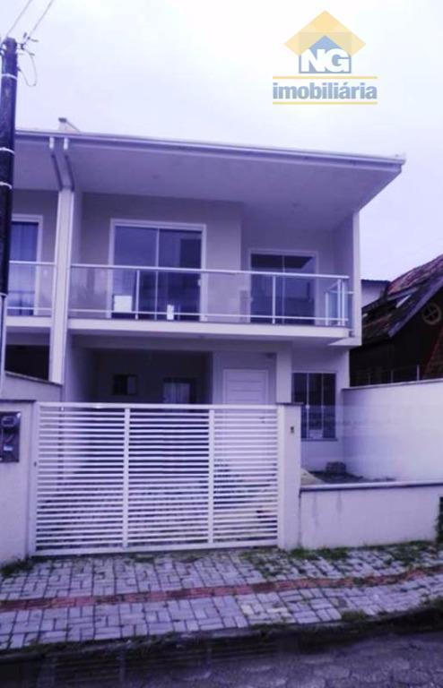 Casa  residencial para venda e locação, Centro, Navegantes.