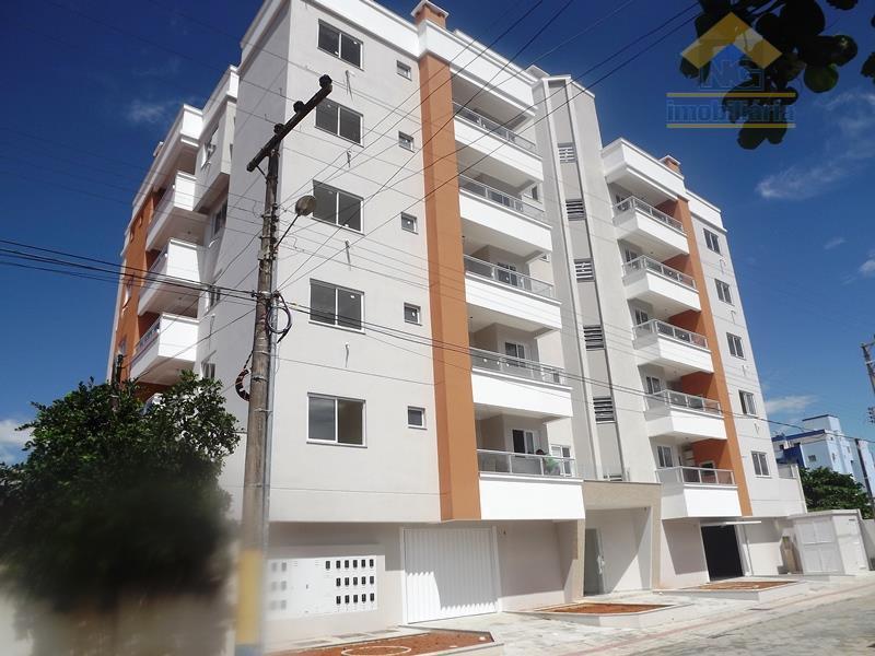 Apartamento residencial à venda, Gravatá, Navegantes - AP0006.