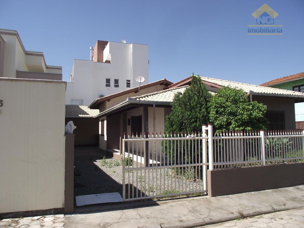 Casa residencial para locação, Centro, Navegantes.