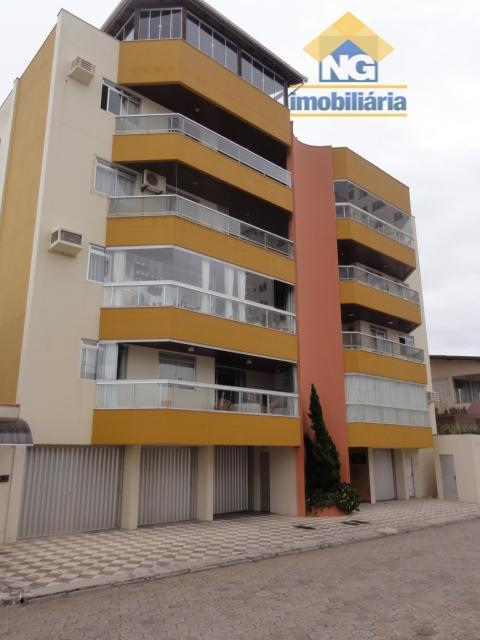 Apartamento residencial à venda, Gravatá, Navegantes.
