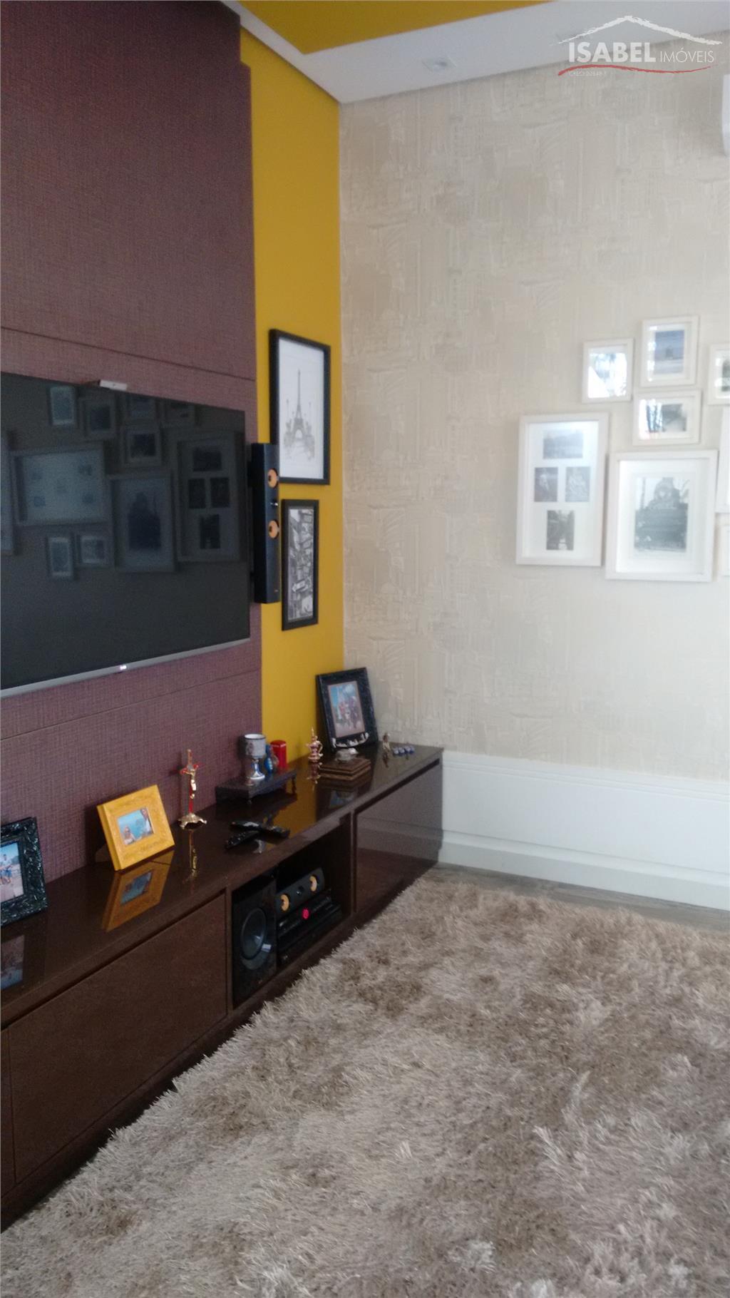térreo- sala para 3 ambientes, cozinha, lavabo, espaço gourmet, churrasqueira, piscina, área de serviço, 2 vagas...
