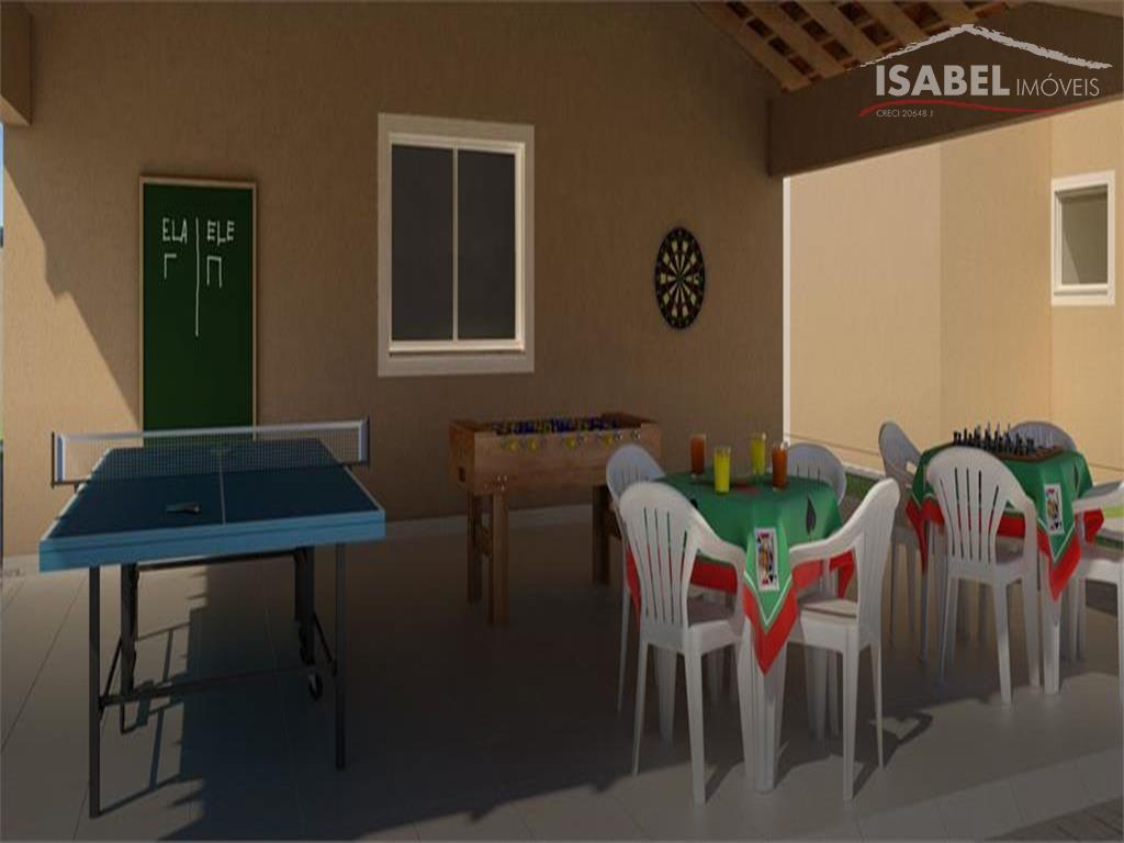 2 dormitórios, sala, cozinha, banheiro, área de serviço e 1 vaga.