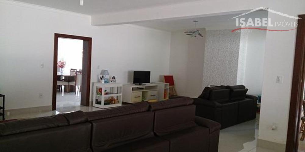 4 suítes, 4 salas, cozinha, copa, 3 wc, lavanderia,área de serviço, quintal, piscina, churrasqueira e 4...