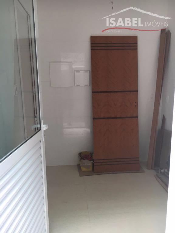 3 suítes, sala para 2 ambientes, lavabo, cozinha, área de serviço, salão e 4 vagas de...
