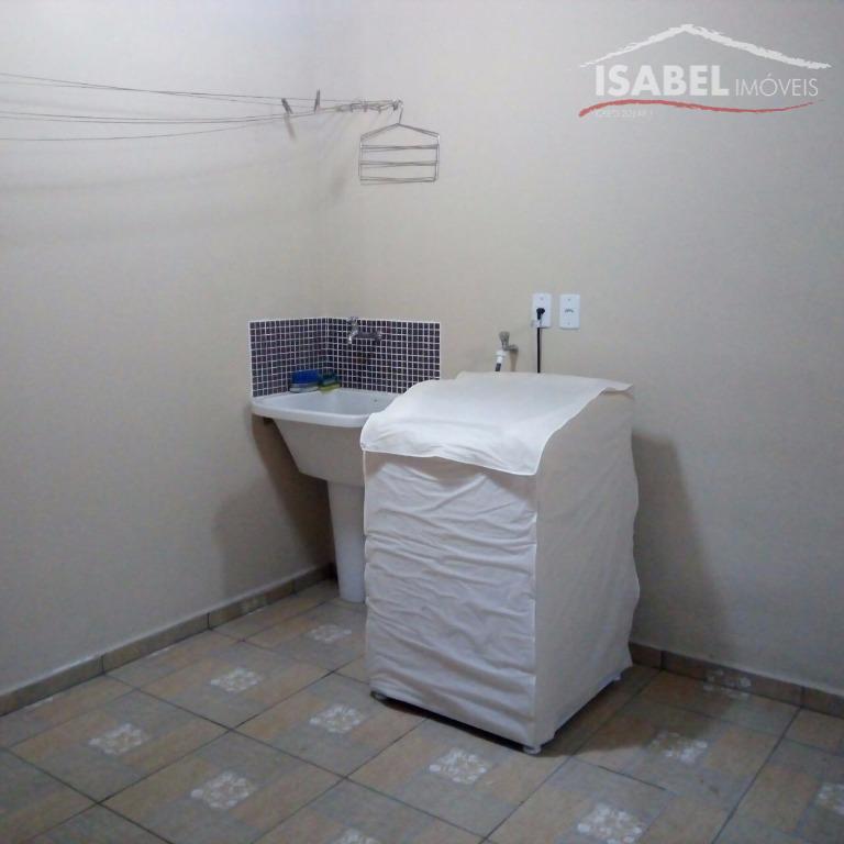 3 dormitórios sendo 1 suíte, sala para 2 ambientes, banheiro, cozinha, lavanderia e 2 vagas de...