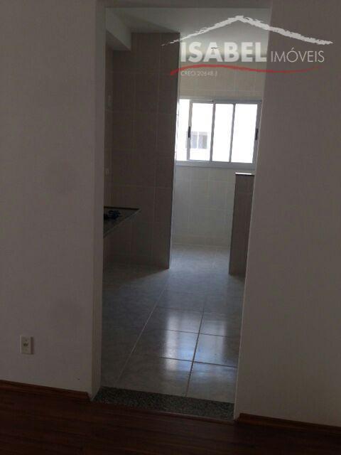 3 dormitórios sendo 1 suíte, sala, cozinha, banheiro, salão de festa, piscina, quadra, portaria 24 hrs...