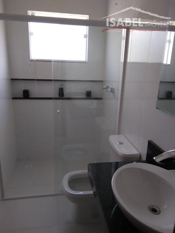 sobrado novo3 suítes,sala para 2 ambientes,lavabo,cozinha,despensa,área de serviço,espaço gourmet,2 vagas cobertas e 2 vagas descobertasquintal,